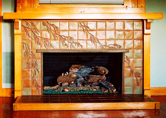 8517051D-Robinson_house_fireplace